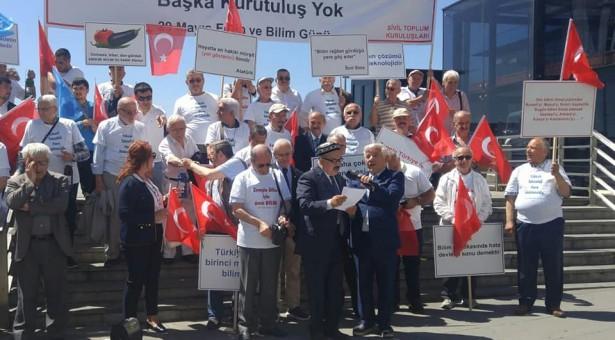 """Dr. Ferhat Kurban Tanrıdağlı, """"29 Mayıs: Bilim ve Fetih Günü""""nde Doğu Türkistan ile ilgili Önemli Bir Bildiri Sundu"""